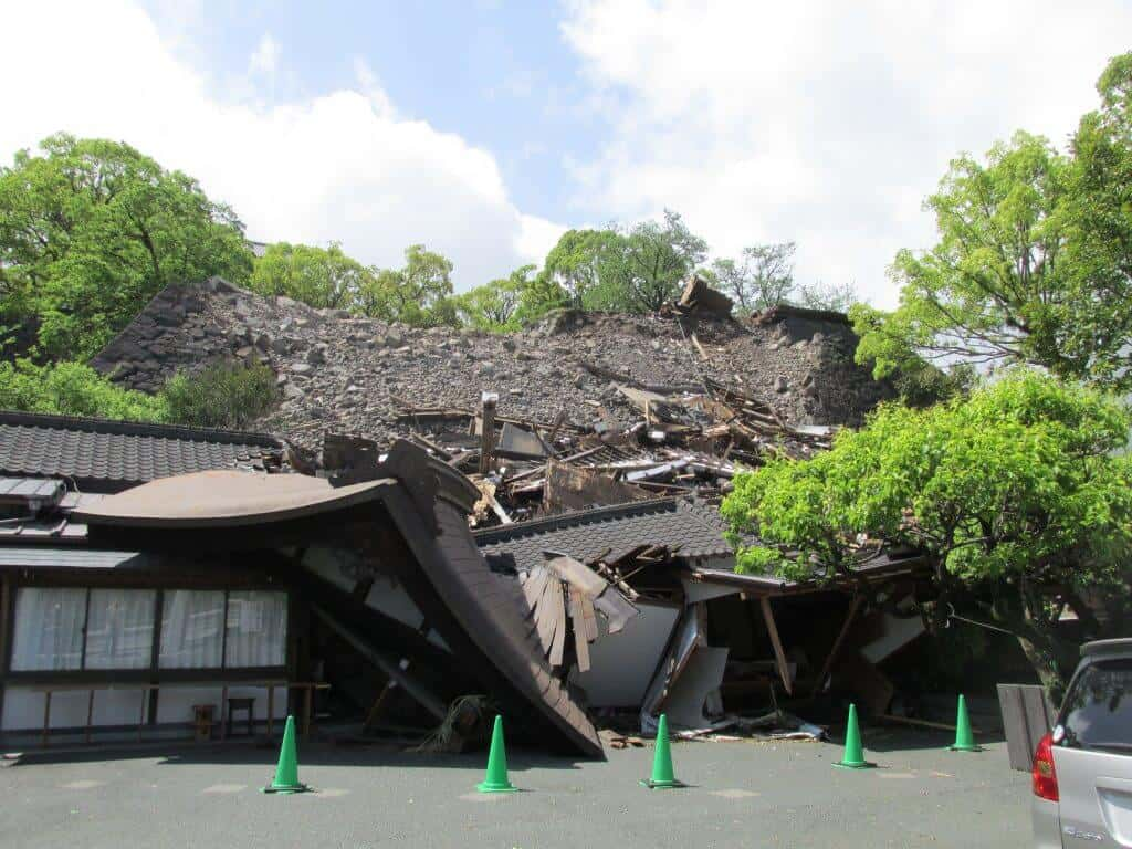 Top 10 Japanese Castles - Kumamoto Castle Post Earthquake