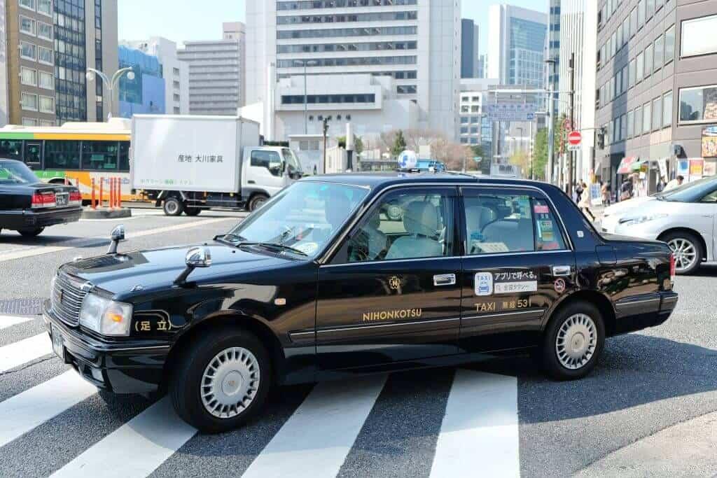 Osaka vs Tokyo - Taxi