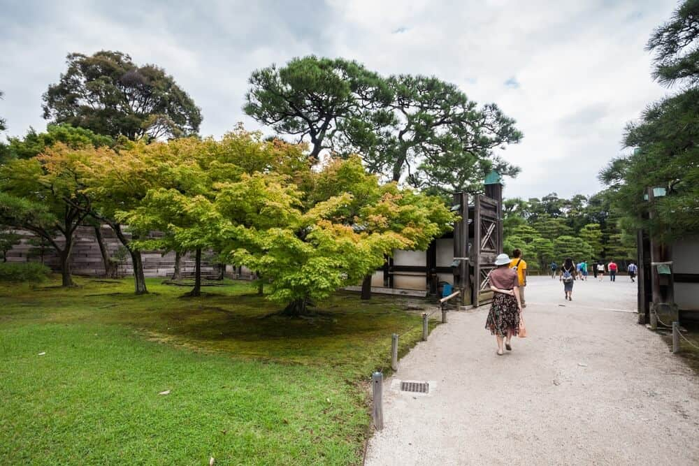 Nijo Castle - Walking Path