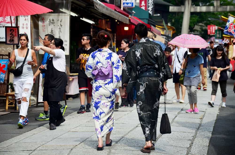 Best Time to Visit Japan - Summer Onsen - Yukata