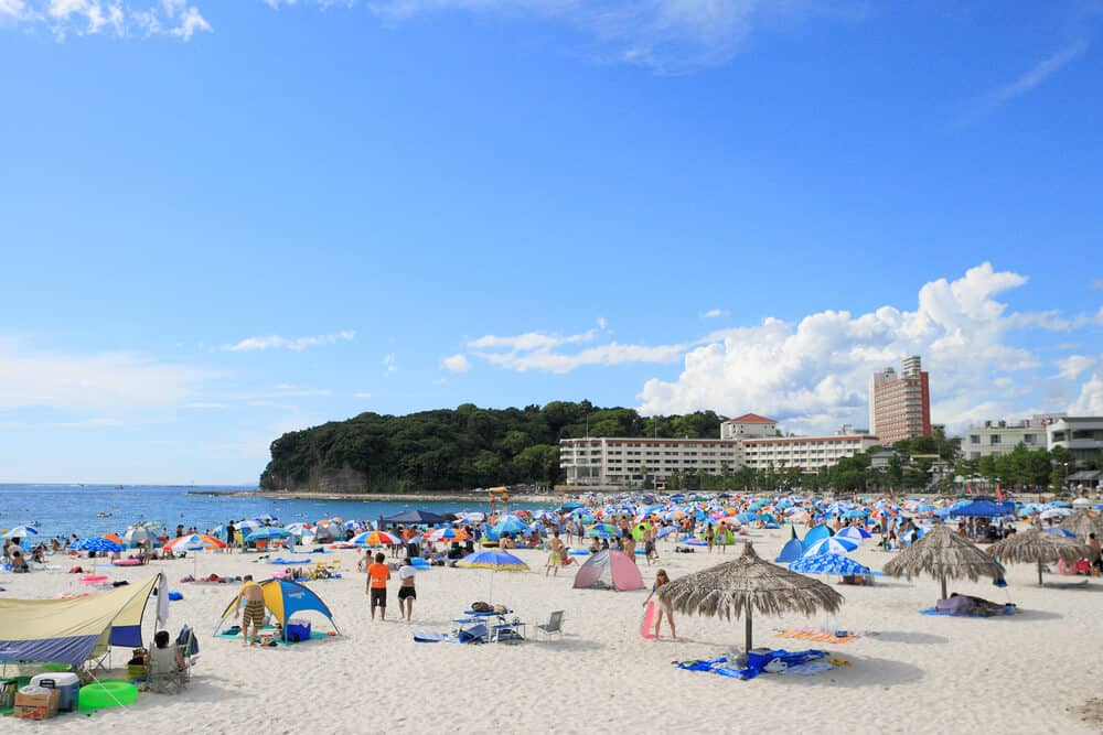 Best Time to Visit Japan - Summer Shirahama Beach