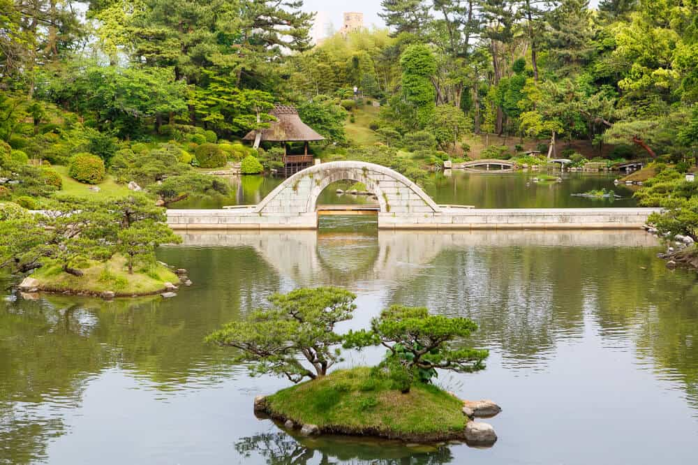 Shukkeien Garden - Miniature Bridge