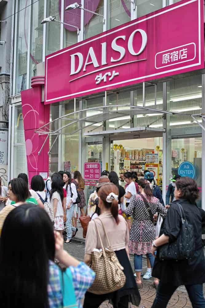 Japan on a Budget - Shopping Daiso 100 yen Store