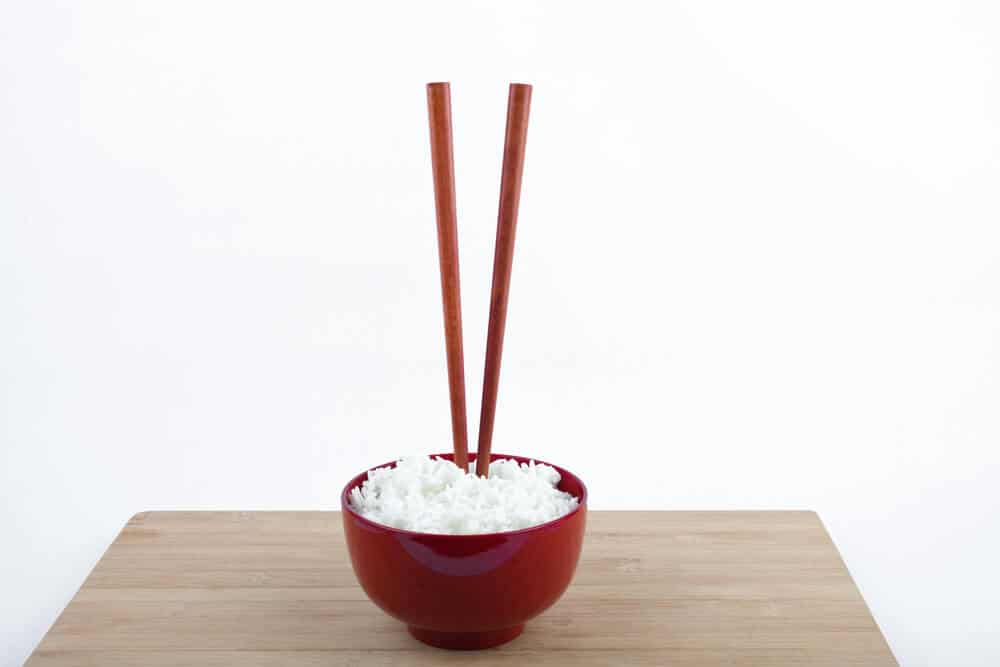 Cultural Mistakes in Japan - Sticking Chopstics in Rice Vertically