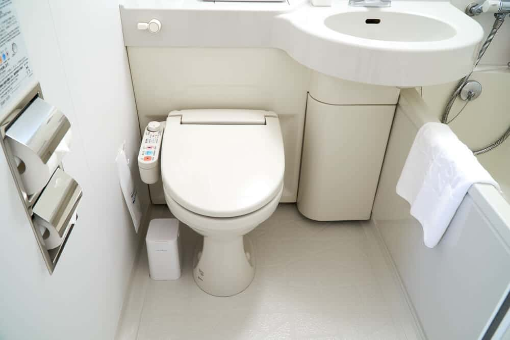Pros and Cons of Living in Japan Amazing Toilets