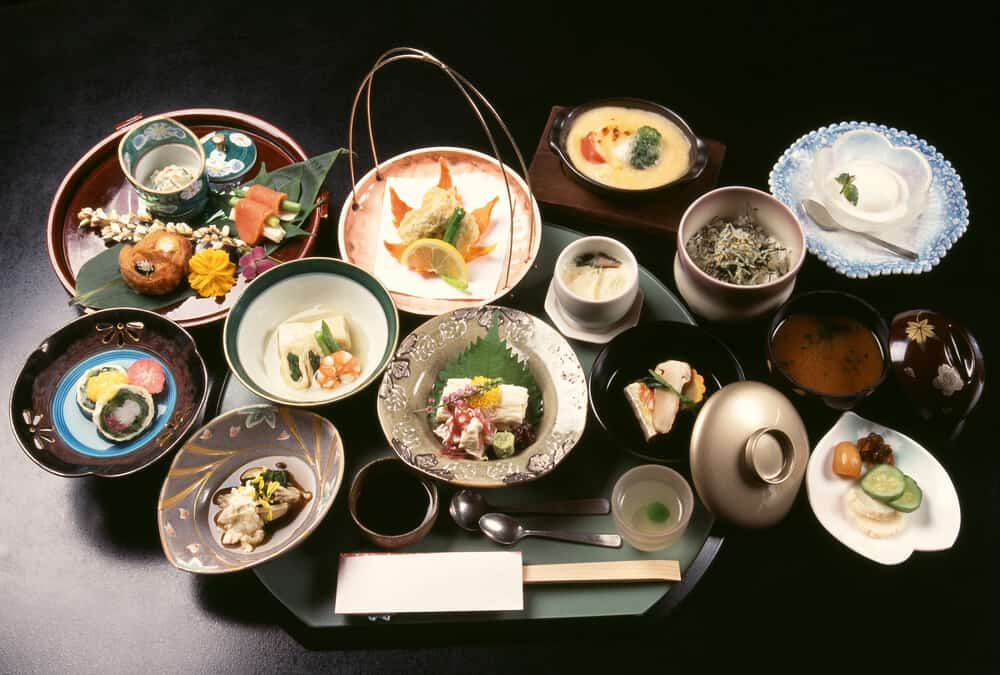 Reasons to Stay at a Ryokan Kaiseki Meal