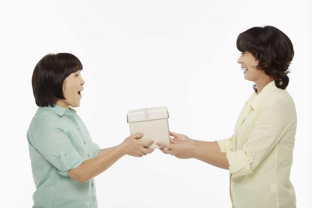Miss About Japan Gift Giving