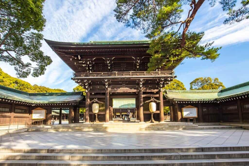Miss About Japan Shrines
