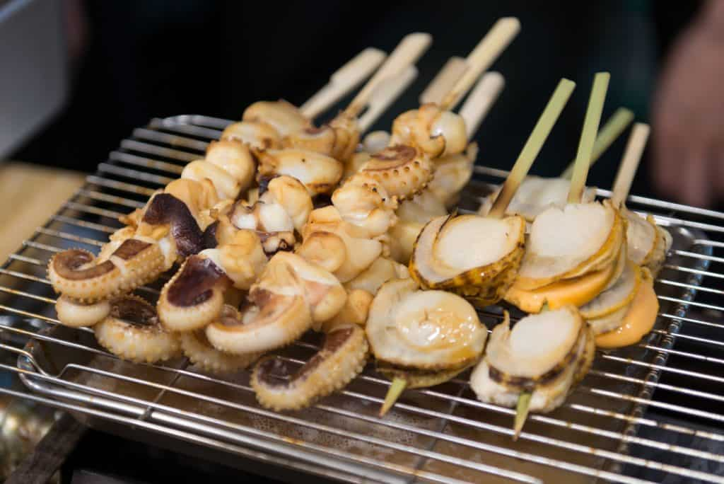 Kuromon Market Foods to Try Scallop Squid